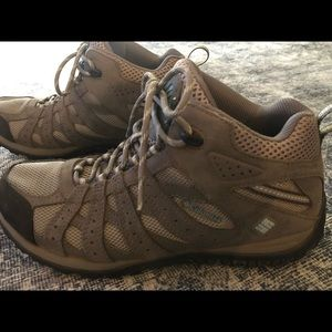 Women's Columbia Hiking Boots- Size 9